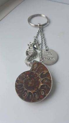 Porte-clés en fossile ammonite avec breloques hippocampe et Spiritual Connection, Stress And Anxiety, How To Relieve Stress, Personalized Items, Fossils