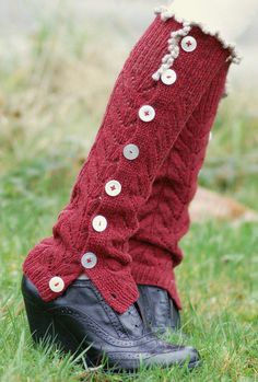 Free Knitting Pattern for Rejoice Legwarmers - These buttoned legwarmers feature a lace pattern and decorative picot bind-off. Designed by Veronika Jobe