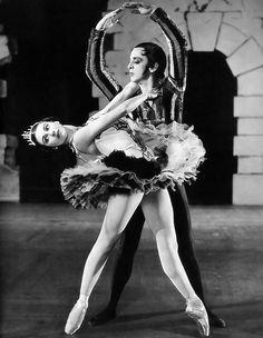 """Margot Fonteyn and Robert Helpmann in """"Don Juan"""" (1948) /Archive photos of ballet"""