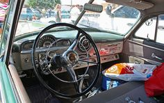 Pontiac Streamliner De Luxe 2dr sedanet
