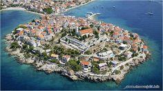 Šibenik to pierwsze chorwackie, a co za tym idzie - słowiańskie miasto portowe w Dalmacji, zyskało przed wiekami sławę pirackiego gniazda #chorwacja #sibenik #croatia #dalmacja