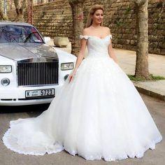 Amazing 64 Princess Style Ball Gown Wedding Dress Inspiration https://weddmagz.com/64-princess-style-ball-gown-wedding-dress-inspiration/