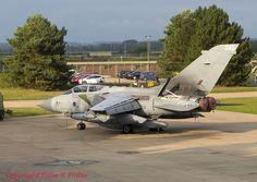 https://flic.kr/p/N57JCo   Tornado GR.4 ZA553 '045' no marks (with IX Sqn) 13-10-16   Note the RAPTOR pod. RAF Marham
