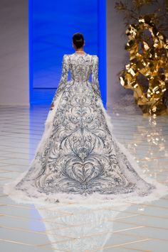 Queen in the North - Guo Pei Haute Couture Spring 2016