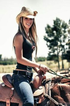 Country Girl (Shake It for Me). Donne belle donne Country Girls Make Everything Better Photos) on Stylevore Moda Cowgirl, Style Cowgirl, Cowgirl Sexy, Cowgirl Mode, Cowgirl Tuff, Cowgirl Hats, Rodeo Outfits, Country Outfits, Cute Outfits
