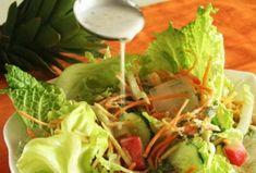 Receita de Salada Tropical é prática, saborosa e com poucas calorias. A salada tropical é umas das receitas mais vitaminada que se destaca como uma ótima sugestão de prato nos meses de calor. Veja aqui a receita completa da salada e vinagrete.