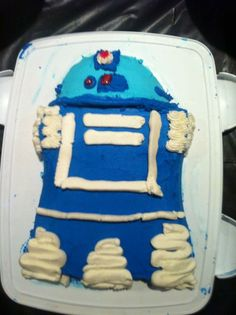 R2d2 cake I made for my Benjamin