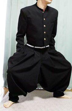 台湾人「日本で昭和の不良が着てた変形学生服が凄すぎるwww」   kaola.jp