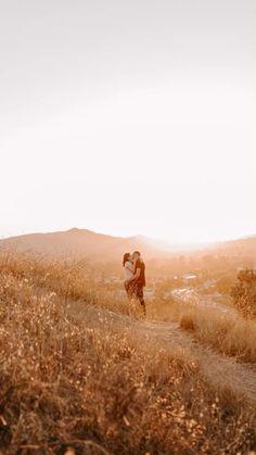 Couple Picture Poses, Couple Posing, Couple Pictures, Family Pictures, Picture Ideas, Photo Ideas, California Mountains, Colorado Mountains, Blue Ridge Mountains