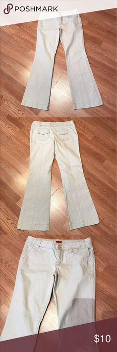 """Mossimo Khaki Flared Pants Juniors Good condition. No flaws. Has 3% spandex. Inseam 31"""" Size 11 Mossimo Supply Co. Pants Boot Cut & Flare"""