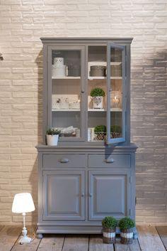 Credenza + vetrina  componibili in legno di paulownia grigio chiaro nuova collezione Luxe Lodge Un'esclusiva myHOMEchic!