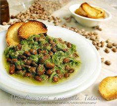 Zuppa di Scarola con fagioli, facile e veloce da preparare per ottenere un piatto unico, leggero e digeribile, perfetto per le fredde sere invernali ma ...