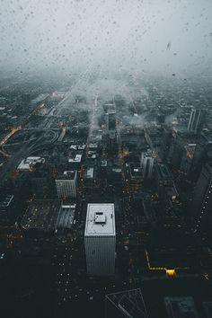 rainy city and bright light Urban Photography, Amazing Photography, Street Photography, Aerial Photography, Book Photography, Landscape Photography, Rainy Night, Rainy Days, Landscaping Las Vegas
