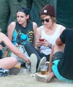 Pin for Later: Kristen Stewart and Alicia Cargile Kick Back and Relax at…