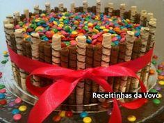 Torta de bolo tubetes com confetes