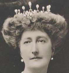 Belgian Pearl & Diamond Tiara given to  Queen Marie Henriette's daughter Princess Clementine after the queen's death in 1920