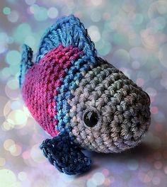 Crochet a Little Fish Amigurumi – Free Pattern! Crochet Gratis, Crochet Toys, Crochet Baby, Free Crochet, Crochet Fish Patterns, Crochet Ladybug, Little Fish, Single Crochet Stitch, Crochet Hook Sizes