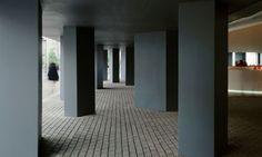 Pabellon-España-Expo-2000-Hannover_Design-interior-pilares-entrada_Cruz-y-Ortiz-Arquitectos_DMA_25B-X2