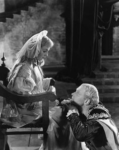 """Laurence Olivier and Jean Simmons """"Hamlet"""" 1948"""