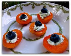 apricot blueberry goat cheese