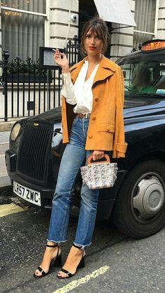 O estilo da fashionista francesa Jeanne Damas 70s Fashion, French Fashion, Girl Fashion, Womens Fashion, Fasion, Fashion Basics, Parisian Fashion, Feminine Fashion, Fashion Hacks