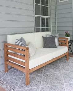 outdoor furniture DIY Outdoor Couch - Angela Marie Made Outdoor Sofa, Outdoor Furniture Plans, Outdoor Cushions, Outdoor Seating, Rustic Furniture, Diy Furniture, Outdoor Decor, Antique Furniture, Furniture Layout