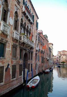 Best Tips to Making The Most Of Your Venice Italy Vacation Italy Vacation, Vacation Destinations, Trip The Light Fantastic, Most Beautiful Cities, Adventure Is Out There, Venice Italy, Places To See, World, Travel