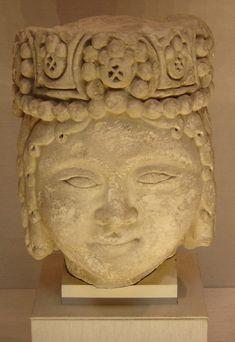 Head of male royal figure of Seljuq Turk Empire in Persia, 12–13th century, found in Iran.