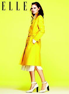 Áo khoác dài MICHAEL KORS, Đầm lụa trắng RAG và Giày cao gót MARNI - See more at: http://www.elle.vn/content/nhung-xu-huong-noi-bat-nhat-cua-xuan-he-2013#sthash.9ySmFLpT.dpuf