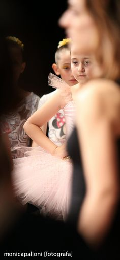 Fotografia di Danza. Monica Palloni [fotografa] #tutù #white #love #passion #fun #happy #divertimento #felicità #passione #bianco #danceshow #spettacolo #danza #dance #littledancers #ballo #piccoleballerine #photographer #foto #photo #monicapallonifotografa