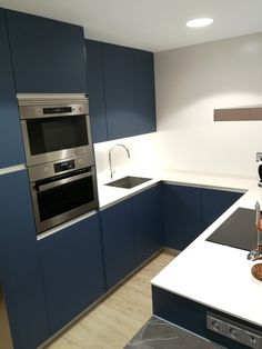 COCINA ELEGANTE EN TONOS AZULES: Kitchen Cabinets, Home Decor, Kitchen Design, Trendy Tree, Elegant, Home, Blue Prints, Decoration Home, Room Decor