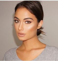 Glowing Makeup - Fashions Nowadays 15 Simple And Memorable Makeup Ideas You Can Rely On For Parties - Fashions Nowadays<br> Glowing Makeup Peach Lipstick, Pale Makeup, Gorgeous Makeup, Awesome Makeup, Pretty Makeup, Natural Makeup, Make Up Looks, Everyday Hairstyles, Makeup Looks