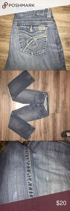 "Big Star Blue Jeans Big Star Denim Jeans- Size 31: These jeans are in great condition. They do have a few light spots (see pics above) but they blend in with the light Denim look. They are 32"" inches long and come from a smoke free home. Big Star Jeans Boot Cut"