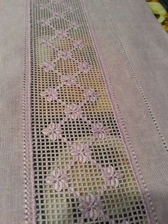 H Hand Embroidery Videos, Hand Work Embroidery, Silk Ribbon Embroidery, Embroidery Patterns, Hardanger Embroidery, Cross Stitch Embroidery, Fillet Crochet, Drawn Thread, Diy Crochet