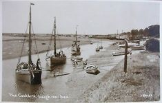 THE COCKLE BOATS AT LEIGH ON SEA ESSEX EARLY RP PC Leigh On Sea, Cockles, School Art Projects, Old Photos, Childhood Memories, Seaside, Boats, Nostalgia, Ships