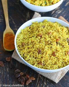 South African Yellow Rice- Quick, easy fragrant rice spiced with turmeric, ginger, and a taste bud sensation. South African Dishes, South African Recipes, Indian Food Recipes, Ethnic Recipes, Rice Dishes, Food Dishes, African Rice Recipe, Yellow Rice Recipes, Nigerian Food