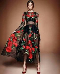 women print sexy maxi dress 2015 new fashion casual O-neck elegant long sleeve long dress plus size vestidos largos Vestidos Fashion, Fashion Dresses, Look Fashion, High Fashion, Fashion Design, Fashion 2015, Vestido Dolce Gabbana, Dolce & Gabbana, Looks Adidas