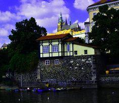 Paisaje de cuento en las orillas del Moldava