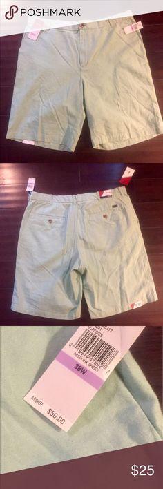 """IZOD Men's Shorts, Sz 38 NWT!  Men's IZOD shorts, Sz 38 with 10.5"""" inseam.  Excellent New Condition!  All my items are from a smoke free home and offers are always welcome🛍😎🛍 Izod Shorts"""