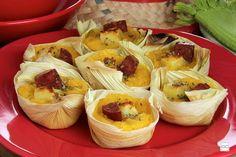10 receitas de Pamonha recheada para festa junina | Como fazer em casa Cabbage, Garlic, Vegetables, Corn Grits, Filled Candy, Cakes, Interesting Recipes, Beverage, Cabbages