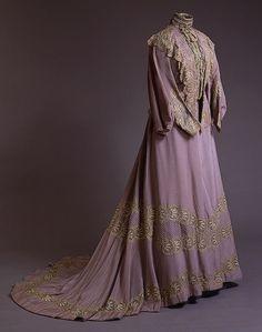Gown worn by Tsarina Alexandra | c. 1900