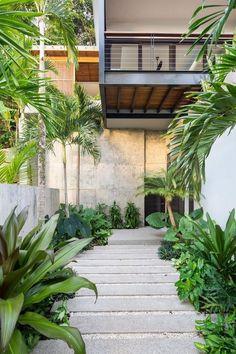 Kitchen Interior Design Joya Villas, Santa Teresa, Costa Rica, by Studio Saxe - Home Garden Design, Terrace Design, Backyard Garden Design, Home And Garden, House Design, Backyard Patio, Modern Backyard Design, Cozy Patio, Tropical Backyard