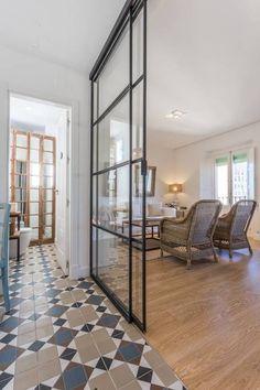 Cuando veais este piso de vacaciones os entrarán unas ganas increíbles de ir unos días a Sevilla. Y no será para menos, porque da gusto ver pisos y apartamentos de vacaciones como este, tan cuidados,
