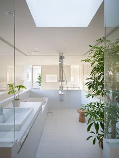 ♂ Contemporary residential interior design Minimalist bathroom House in Hidaka by Suppose Design Office