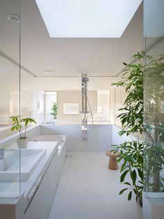 ♂ Contemporary residential interior design Minimalist bathroom House in Hidaka by Suppose Design Office