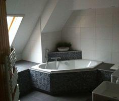 hoekbad | Modern Decor | Pinterest | Small bathroom, Bedrooms and Modern