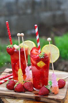 Katucikonyha: Gyömbéres eperfröccs Watermelon, Strawberry, Fruit, Drinks, Blog, Sneaker, Vans, Drinking, Beverages