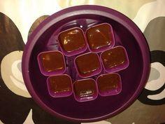 J'ai eu l'immense joie de recevoir de la part de Tupperware leur célèbre Micro Vap (cuisson vapeur au micro ondes)avec l'insert, les 8 ramequins et le livre de recettes Plus d'infos sur le produit ici  Je me suis donc empressée de le tester et comme... Tupperware Micro Onde, Microvap Tupperware, Micro Vap, Immense, Insert, Ice Cube Trays, Comme, Muffin, Pudding