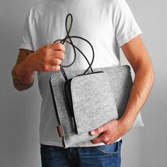 ETUI NA LAPTOPA I ZASILACZ  #laptopsleeve #macbook #cover #felt #gray #macbookcase #laptopcover