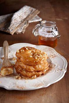 Λουκουμάδες Στιγμής Με Μήλα Pie Crumble, Greek Recipes, French Toast, Sweets, Pears, Breakfast, Cake, Apples, Desserts